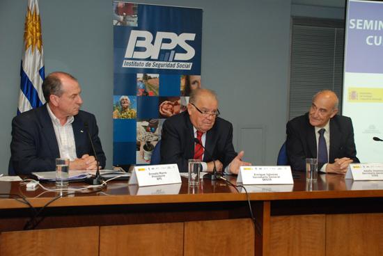 Ernesto Murro, Presidente del BPS de Uruguay, Enrique V. Iglesias, Secretario General SEGIB; Adolfo Jiménez Fernández, Secretario General de la OISS