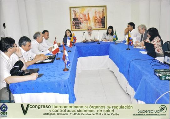 En la fotografía, reunión para la suscripción Declaración de Cartagena, Superintendentes de Brasil, Chile, Colombia, Ecuador, Perú, OPS y OISS