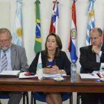 De izquierda a derecha: Carlos Garavelli, Director Regional de la OISS en el Cono Sur, Gina Magnolia Riaño Barón, Secretaria General de la OISS y Ernesto Murro, Presidente de la OISS y del BPS de Uruguay