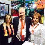 En la fotografía a la izquierda Gina Magnolia Riaño Barón, Secretaria General de la OISS con el Presidente y la Vicepresidenta de Colmena Vida Riesgos Laborales, de Colombia