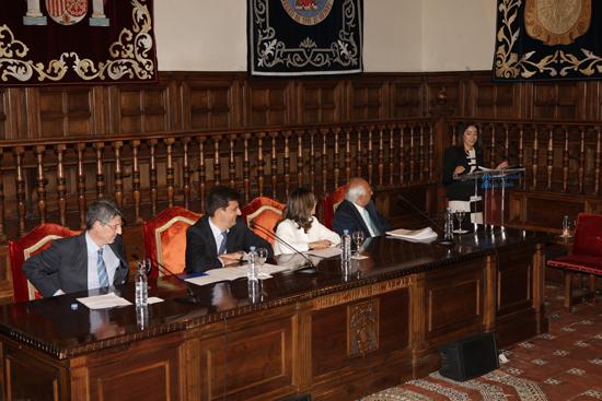 La Representante de los estudiantes, Roberta Simões Nascimento, durante su intervención