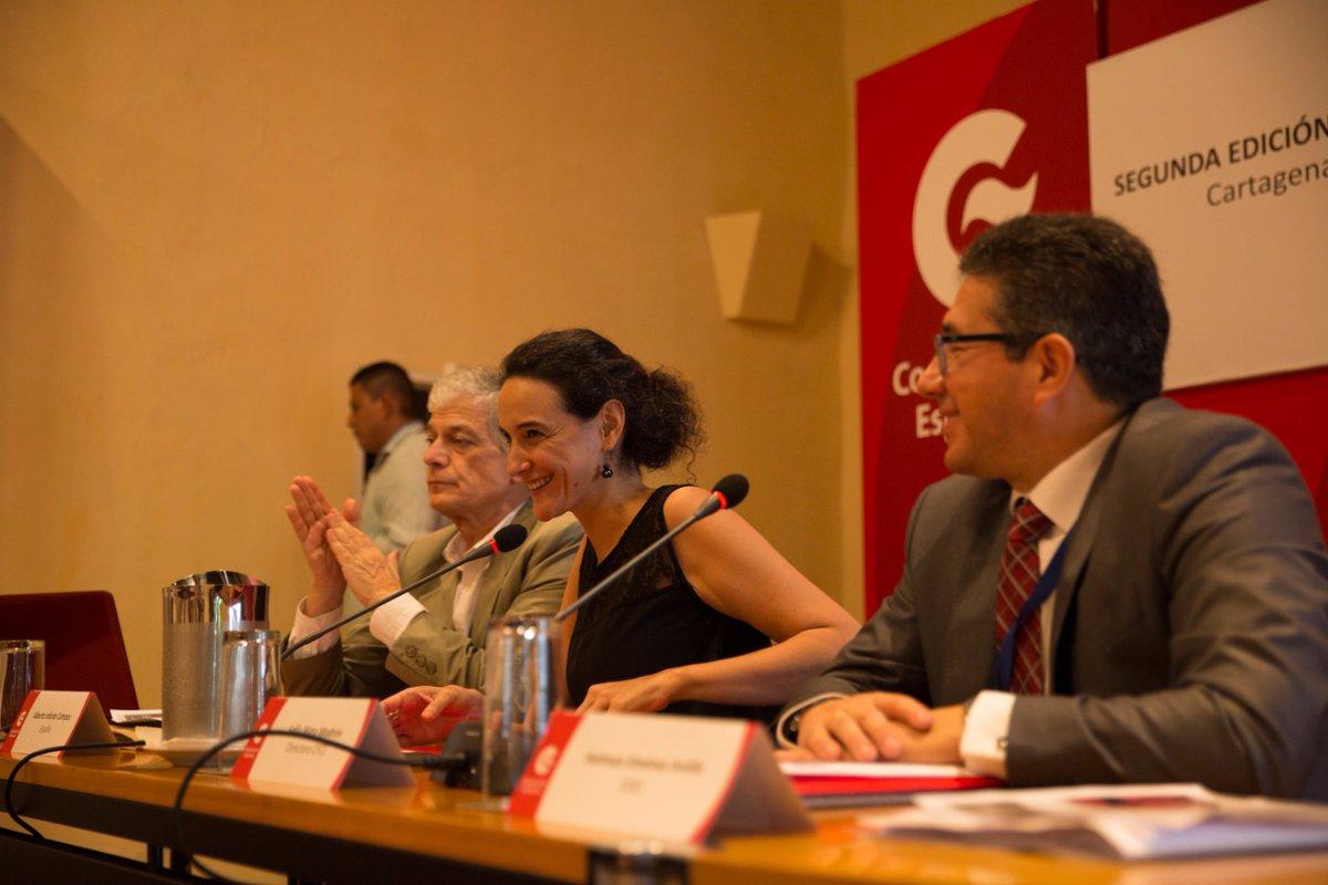 Derecha el profesor Alberto Infante; Sofía Mata Modrón, Directora del Centro de Formación de la Cooperación Española y Holman Jiménez Ardila, Responsable de Programas Especiales y comunicación de la OISS.