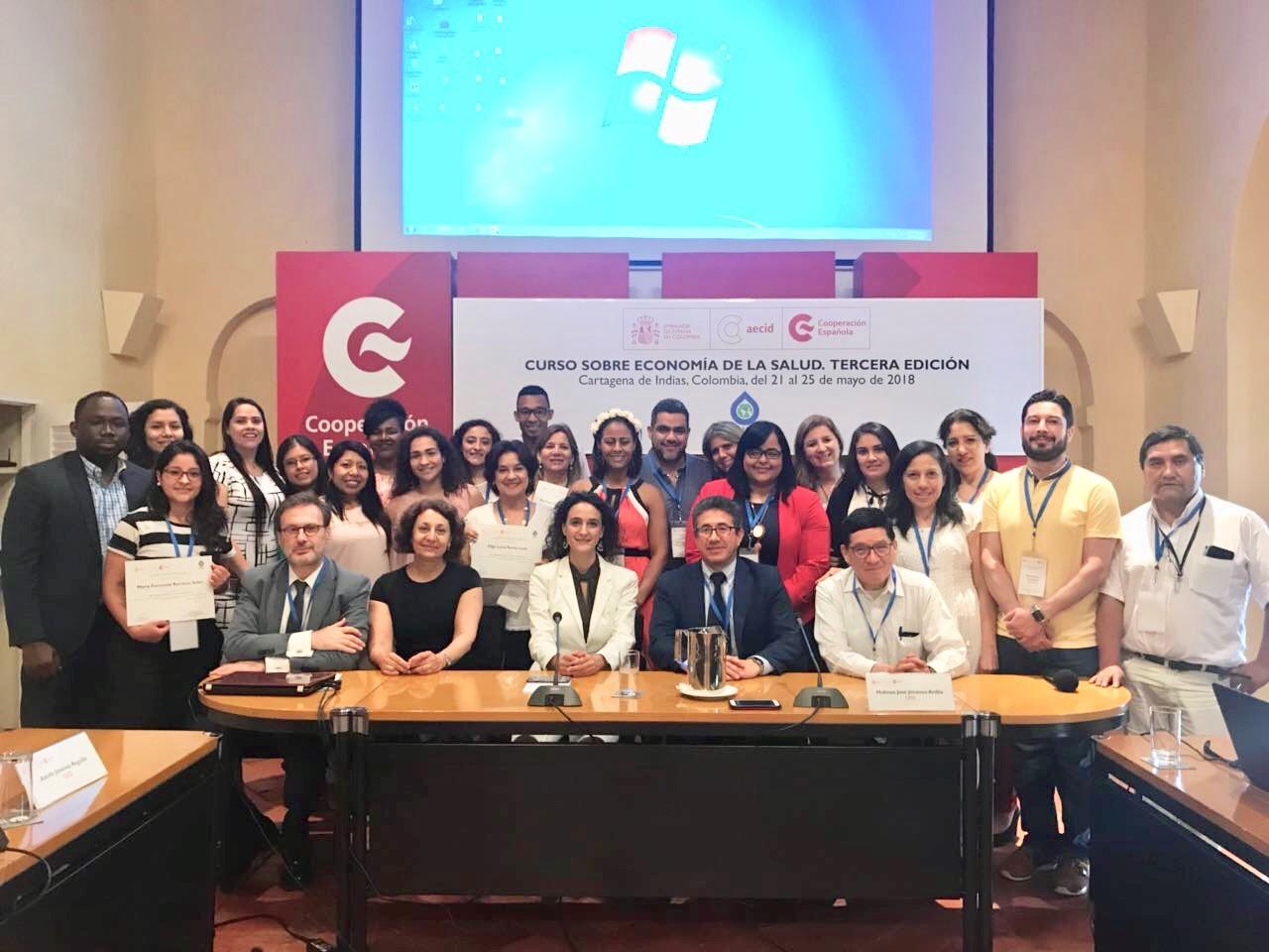 Foto de grupo en la clausura del curso