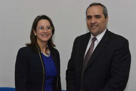 La Secretaria General de la OISS, Gina Magnolia Riaño Barón y el Presidente del Instituto de Previsión Social – IPS de Paraguay, Hugo Royg