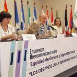 Momentos de la la conferencia del ministro de Trabajo y Seguridad Social de Uruguay, Ernesto Murro