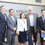 """Participantes del Panel """"Equidad en Salud como Ruta hacia el Desarrollo en Latinoamérica, aportes al debate regional"""""""