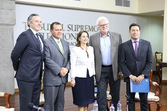 Participantes del Panel