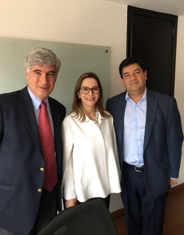 En la foto de izquierda a derecha: el Ministro de Salud y Protección Social de Colombia, Juan Pablo Uribe, la secretaria general de la OISS, Gina Magnolia Riaño Barón y el Viceprocurador General de la Nación, Juan Carlos Cortés
