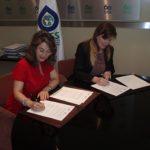 En la foto a la izquierda la Secretaria General de la OISS, Gina Magnolia Riaño Barón y la Consejera Delegada del ESSENTIUM Grupo, Susana Monje Gutiérrez