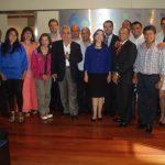 En la foto (en el centro de azul) la Secretaria General de la OISS , Gina Magnolia Riaño Barón y los asistentes de la misión de intercambio