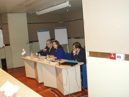 De izquierda a derecha Fernando Carillo Flores, Embajador de Colombia en España, Gina Magnolia Riaño Barón, Secretaria General de la OISS y Gerardo Arenas Monsalve, Magistrado del Consejo de Estado de Colombia