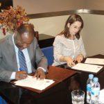 Gina Magnolia Riaño Barón, Secretaria General de la OISS y Pedro Claver Mbega Ovono Nkogo,Delegado Nacional del Instituto de Seguridad Social de Guinea Ecuatorial