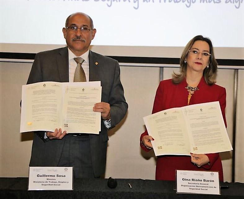 Firma del acuerdo de cooperación para el diseño de políticas de seguridad y salud en el trabajo entre el la Organización Iberoamericana de Seguridad Social OISS y el Ministerio de Trabajo y Seguridad Social de Paraguay