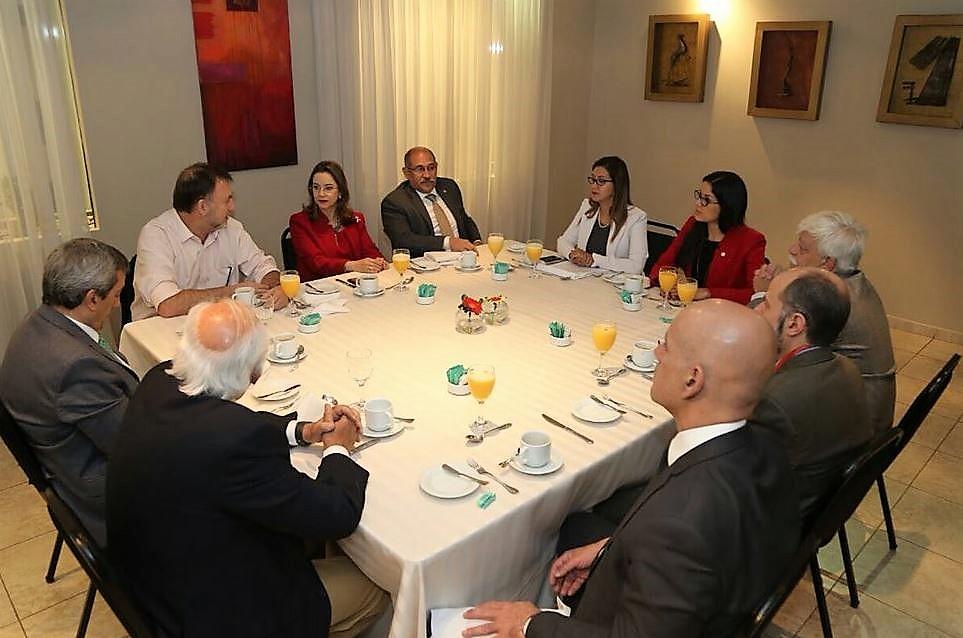 Reunión de delegaciones de la Secretaría General de la OISS, el Ministerio de Trabajo y Seguridad Social de Paraguay y la Secretaría de Previdência - Ministério da Fazenda de Brasil
