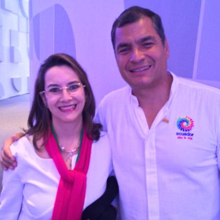 La Secretaria General de la OISS, Gina Magnolia Riaño Barón y el Presidente  de Ecuador, Rafael Correa