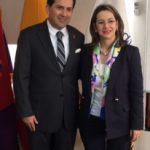 En la foto la Secretaria General de la OISS, Gina Magnolia Riaño Barón y el Presidente del IESS, Víctor Hugo Villacrés