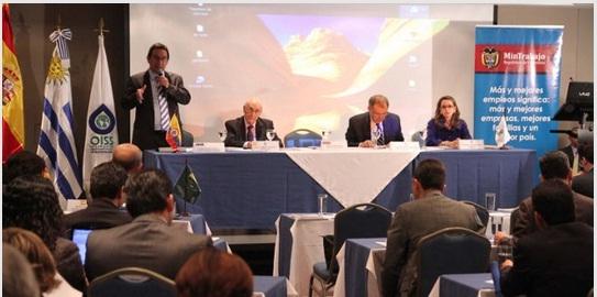 De izquiera a derecha:  Mauricio Olivera, Viceministro de Empleo y Pensiones de Colombia; Adolfo Jiménez Fernández, Secretario General de la OISS, Alejandro Ordoñez, Procurador General de Colombia y Gina Magnolia Riaño, Directora Regional de la OISS para el Área Andina