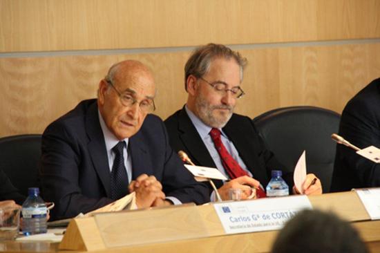 De izquierda a derecha: Adolfo Jiménez Fernández, Secretario General de la Organización Iberoamericana de Seguridad Social; Francisco Fonseca, Director de la Representación de la Comisión Europea en España