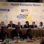 En la mesa anterior, la Secretaria General de la OISS, Gina Magnolia Riaño Barón, con otros participantes en el acto