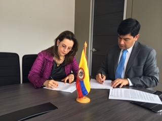La Secretaria General de la OISS, Gina Magnolia Riaño Barón y el Viceministro de Empleo y Pensiones de Colombia, Juan Carlos Cortés González