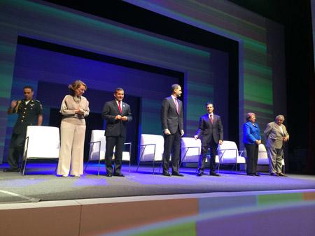 En la foto el Rey Felipe VI y otros mandatarios junto a la Secretaria General Iberoamericana en  el evento repensando Iberoamérica