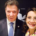 El Presidente de la República de Colombia, Juan Manuel Santos Calderón y la Secretaria General de la Organización Iberoamericana de Seguridad Social, Gina Magnolia Riaño Barón, en el acto de Investidura Doctor Honoris Causa